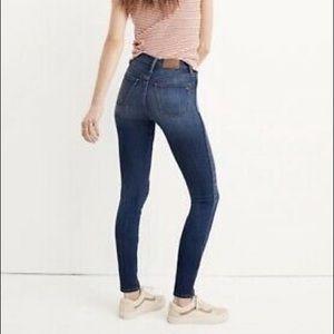 "Madewell • 10"" High Rise Skinny Jeans • 25"
